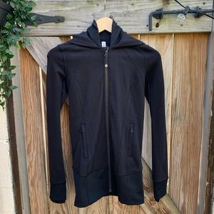 Lululemon Daily Practice Jacket Size 4 Black